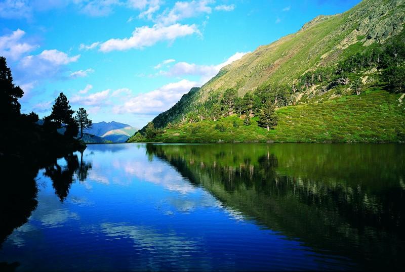 Andorra Montaña Lago Truites - Andorra, pequeño y majestuoso gigante verde