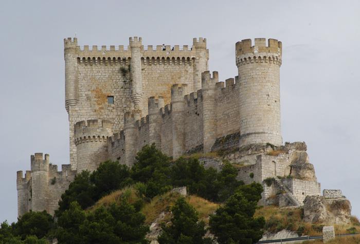 Castillo de PEnAFIEL 1 - Riqueza monumental de Castilla y León