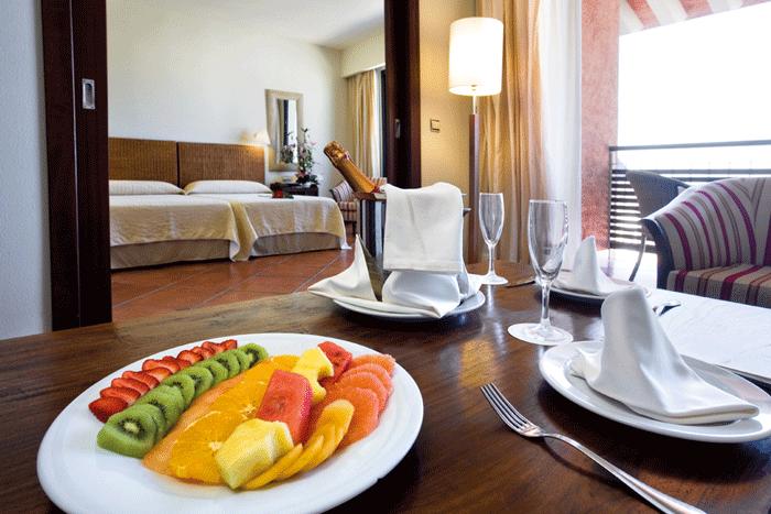 Hotel Puerto Antilla IMAGEN 0014 1 - Puerto Antilla Grand Hotel, el verano anticipado