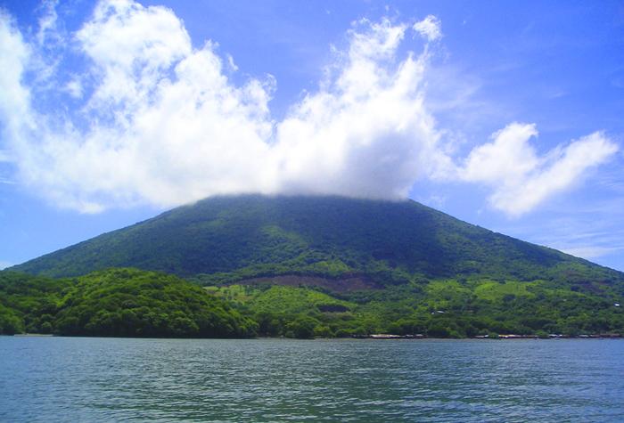 amapala volcan 1 - Amapala, la desconocida perla del Pacífico