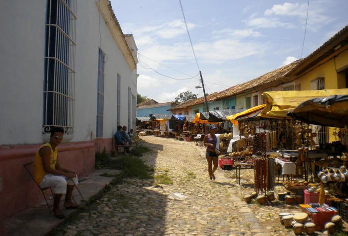 baracoa calles 1 - Baracoa, la ciudad primada de Cuba