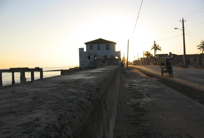 baracoa calles2 1 - Baracoa, la ciudad primada de Cuba