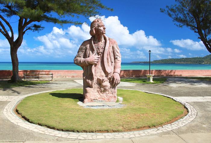 baracoa monumentos 1 - Cuba, de punta a cabo