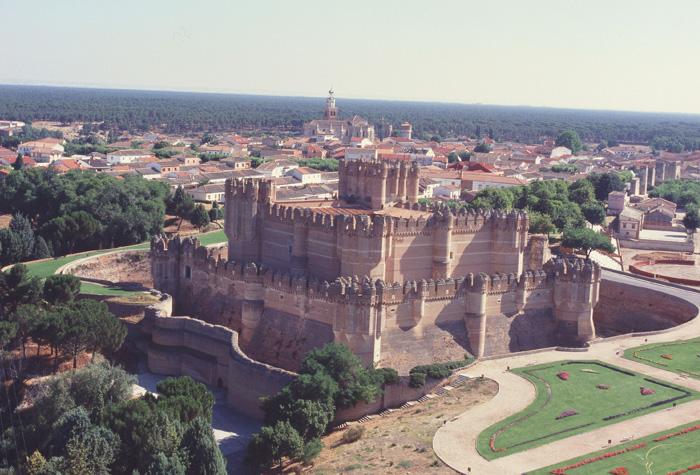 castillo coca 1 - Riqueza monumental de Castilla y León