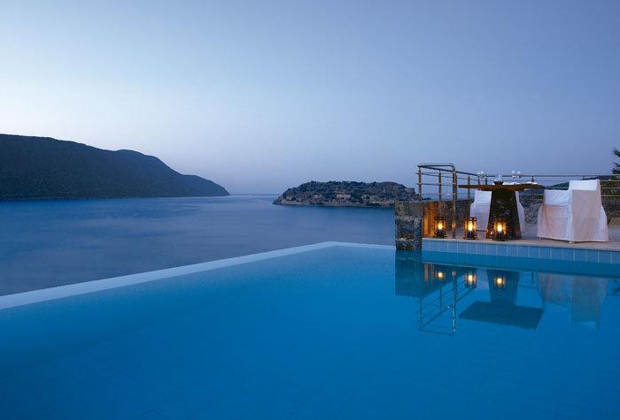 hotel blue palace 1 - Un paseo por las mejores piscinas del mundo