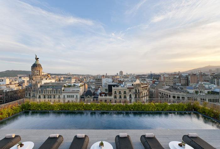 hotel mandarin oriental barcelona 1 - Un paseo por las mejores piscinas del mundo