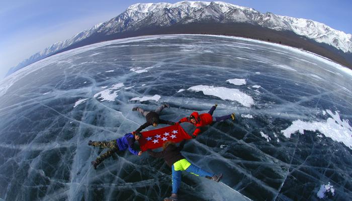lago baikal hielo 1 - Lago Baikal, cristal de Siberia