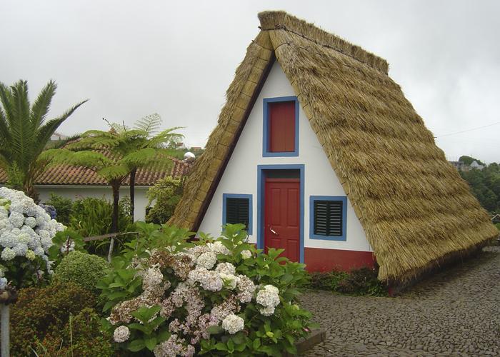 madeira casa santana