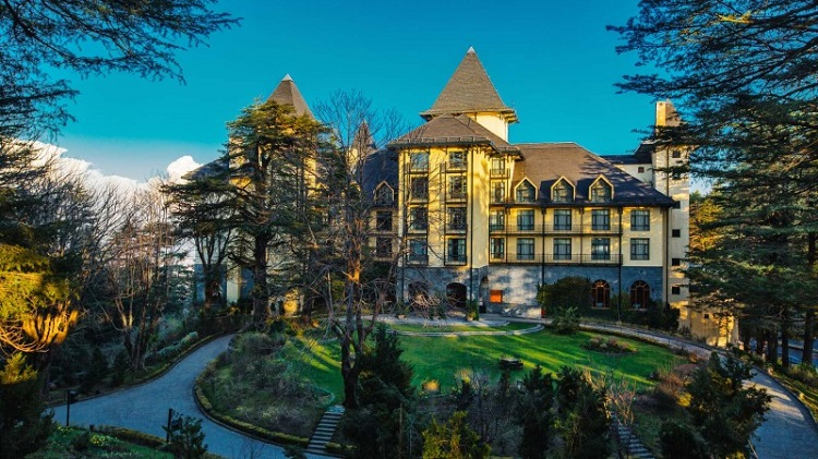 oberoi wildflower hall - Estancias de ensueño en tu viaje por la India