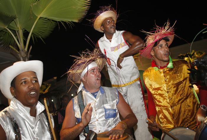 pueblo turistico La Estrella gente 1 - Cayos de Villa Clara, un lujo natural casi desconocido