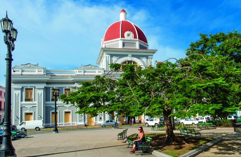 """teatro cienfuegos parque - Cienfuegos """"la ciudad que a mí más me gusta de Cuba"""""""