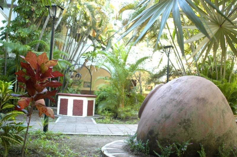 tinajon camaguey plaza de los trabajodres - Camagüey, la tierra de los tinajones