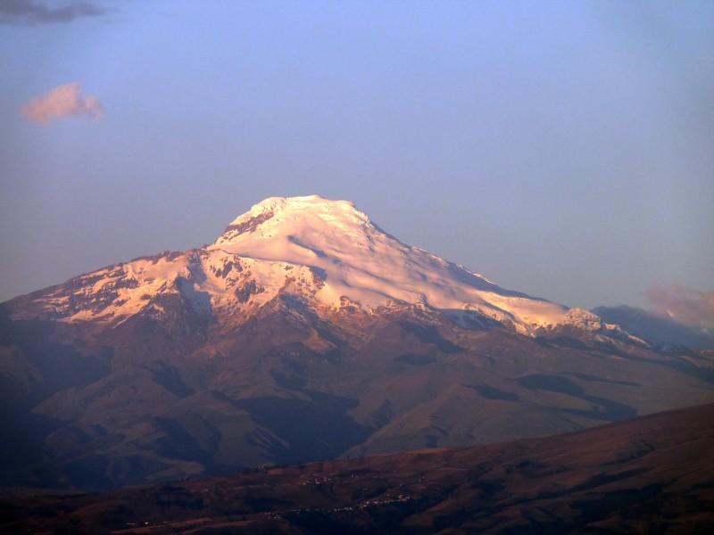 volcan Cayambe Ecuador - La Avenida de los volcanes