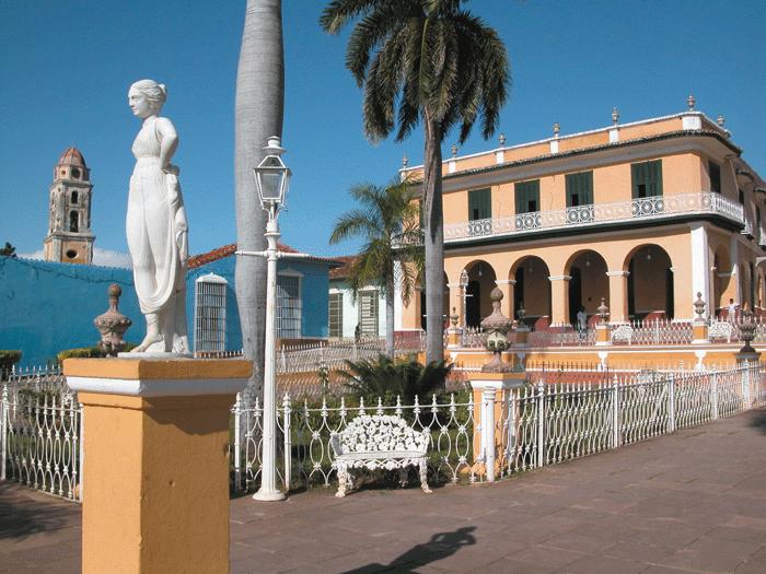 Panoramica Plaza Mayor de Trinidad 2 - Ciudades coloniales de Cuba