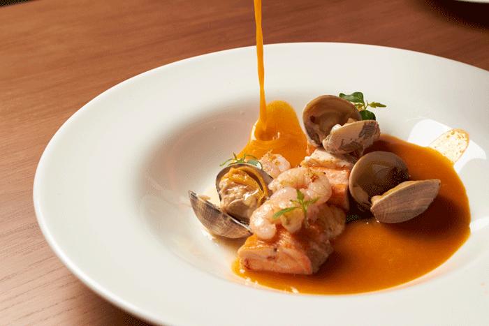 platos6972p - 10 beneficios de la sopa de pescado