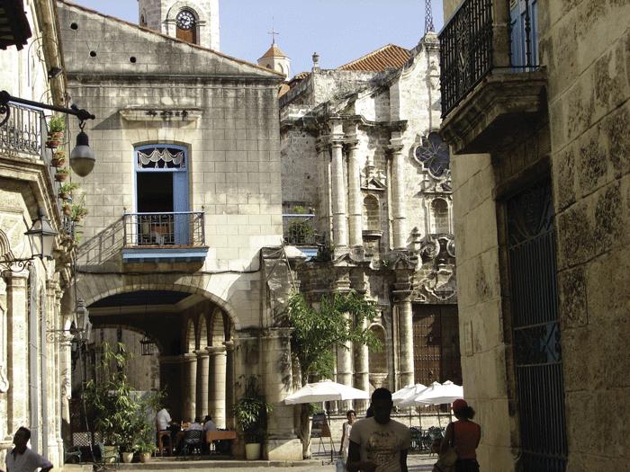 plaza de la catedral 11 - Cuba, de punta a cabo