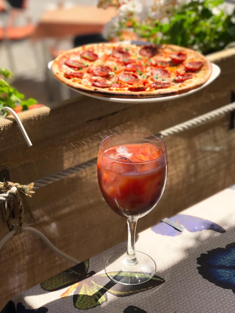 Pizzada Terraza de la Riena - Planes para 'ponerte las botas' este mes
