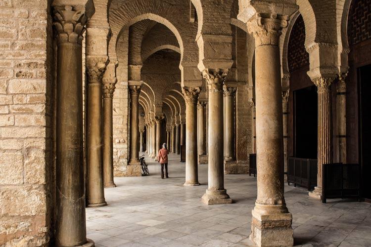 Kairuan Tunez Portico - Kairuán, ciudad santa y patrimonio tunecino