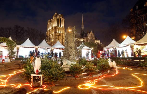 Notre Dame Mercado Navidad Paris - Los mejores mercados de Navidad entre abetos, belenes y vino caliente