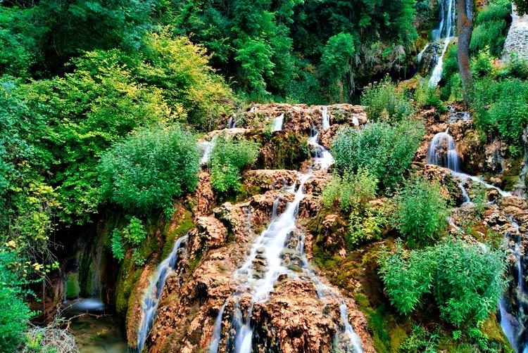 Cascada de Orbaneja Burgos - Naturaleza, patrimonio y tradición en la Semana Santa de Burgos
