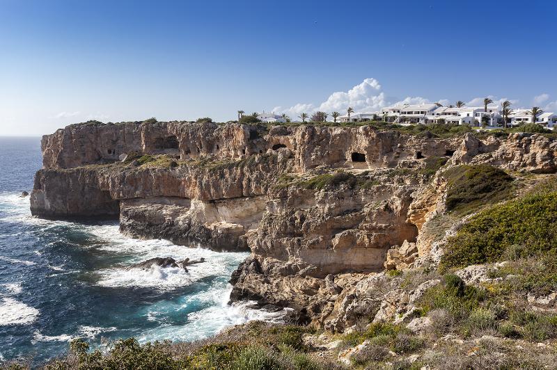 Castellàs den Caparrot Menorca Talayótica - El patrimonio talayótico menorquín, uno de los más originales de todo el Mediterráneo