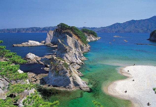 Jodogahama Beach ©JNTO 1  - Siete pistas para conocer Tohoku, la región más legendaria de Japón