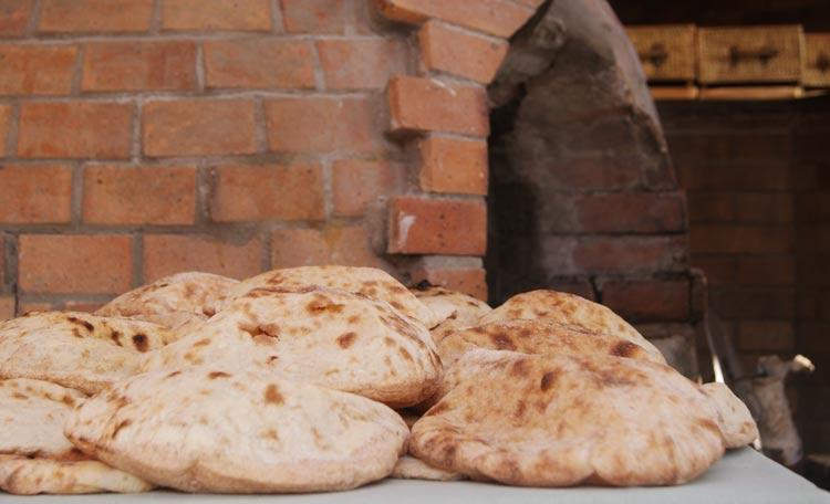 aish pan egipto - Recorrer Egipto a través de su gastronomía