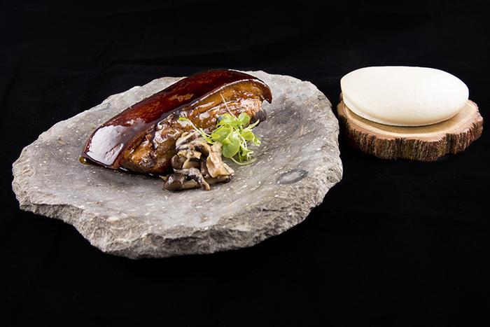 Panceta melosa y rustida setas Lena - Nace Lena, un nuevo concepto de sidrería gastronómica