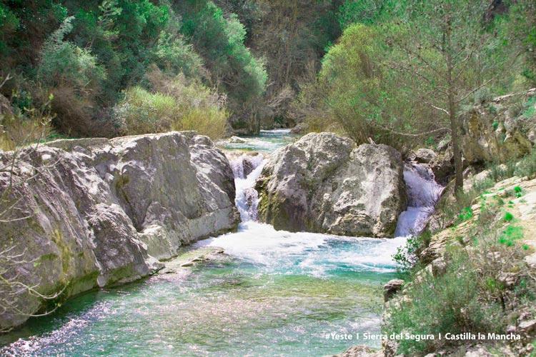 TurismoYeste 0393  Albacete - Cinco motivos para pasar tus vacaciones en la montaña