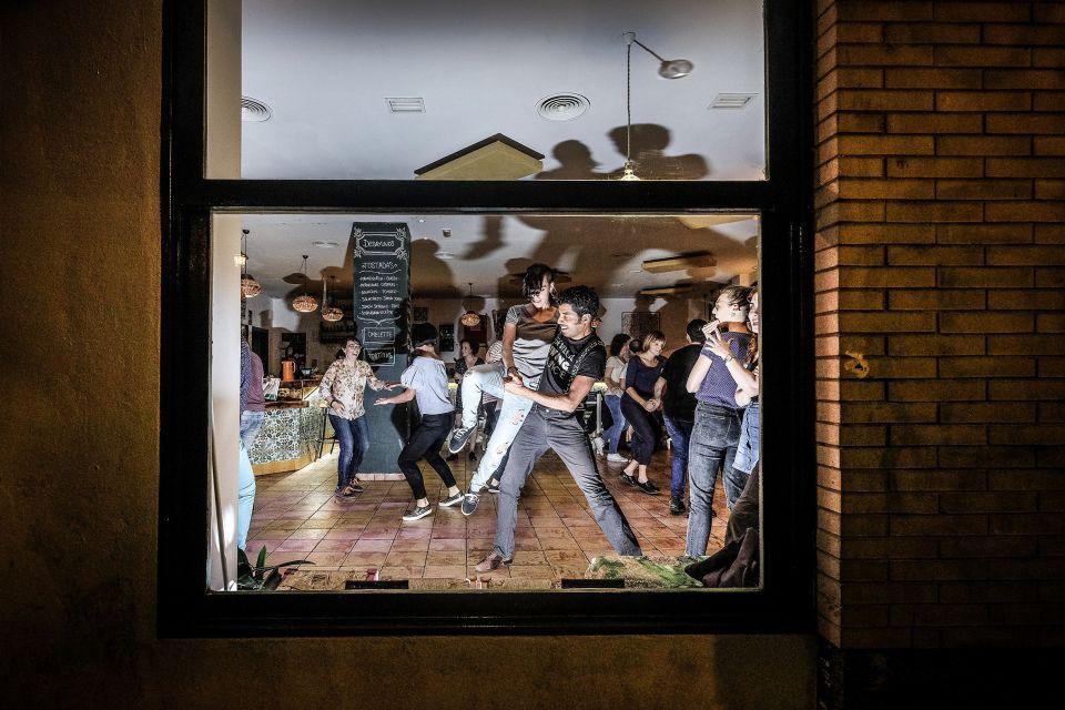 swing - Facebook presenta una guía para descubrir Sevilla creada por su comunidad