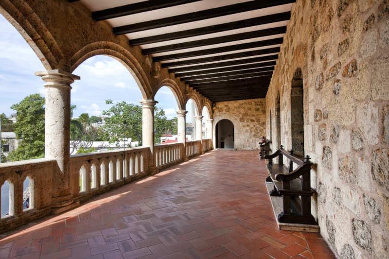 Alcázar Colón 003 - ¡Bienvenidos a Santo Domingo!