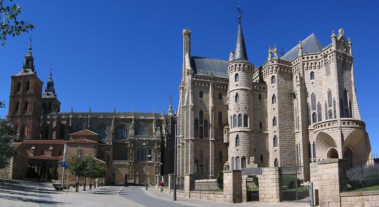 Astorga Cathedral Bishops palace 2005 León España © Open Comunicación - LEÓN Y SU PROVINCIA, DE LA A A LA Z