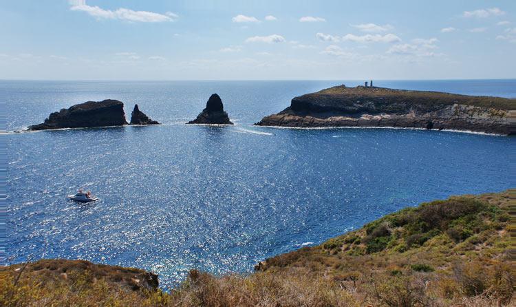 Islas Columbretes Castellon de la Plana España - ISLAS COLUMBRETES, LA JOYA NATURAL MARINA DE CASTELLÓN DE LA PLANA