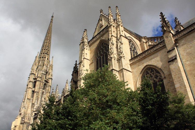Burdeos Catedral 2. Francia. Open Comunicacion - Una escapada perfecta, del pasado en Burdeos al porvenir en Futuroscope