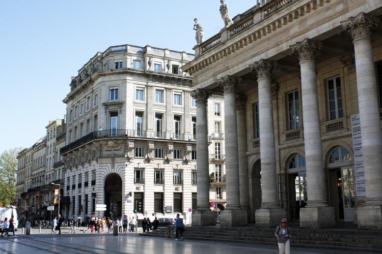 Burdeos Gran Teatro. Francia. Open Comunicacion - Una escapada perfecta, del pasado en Burdeos al porvenir en Futuroscope