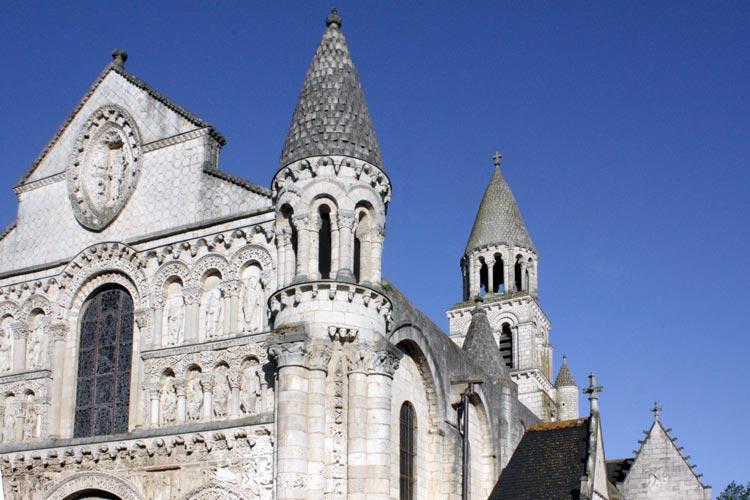 Poitiers 1. Francia. Open Comunicacion - Una escapada perfecta, del pasado en Burdeos al porvenir en Futuroscope