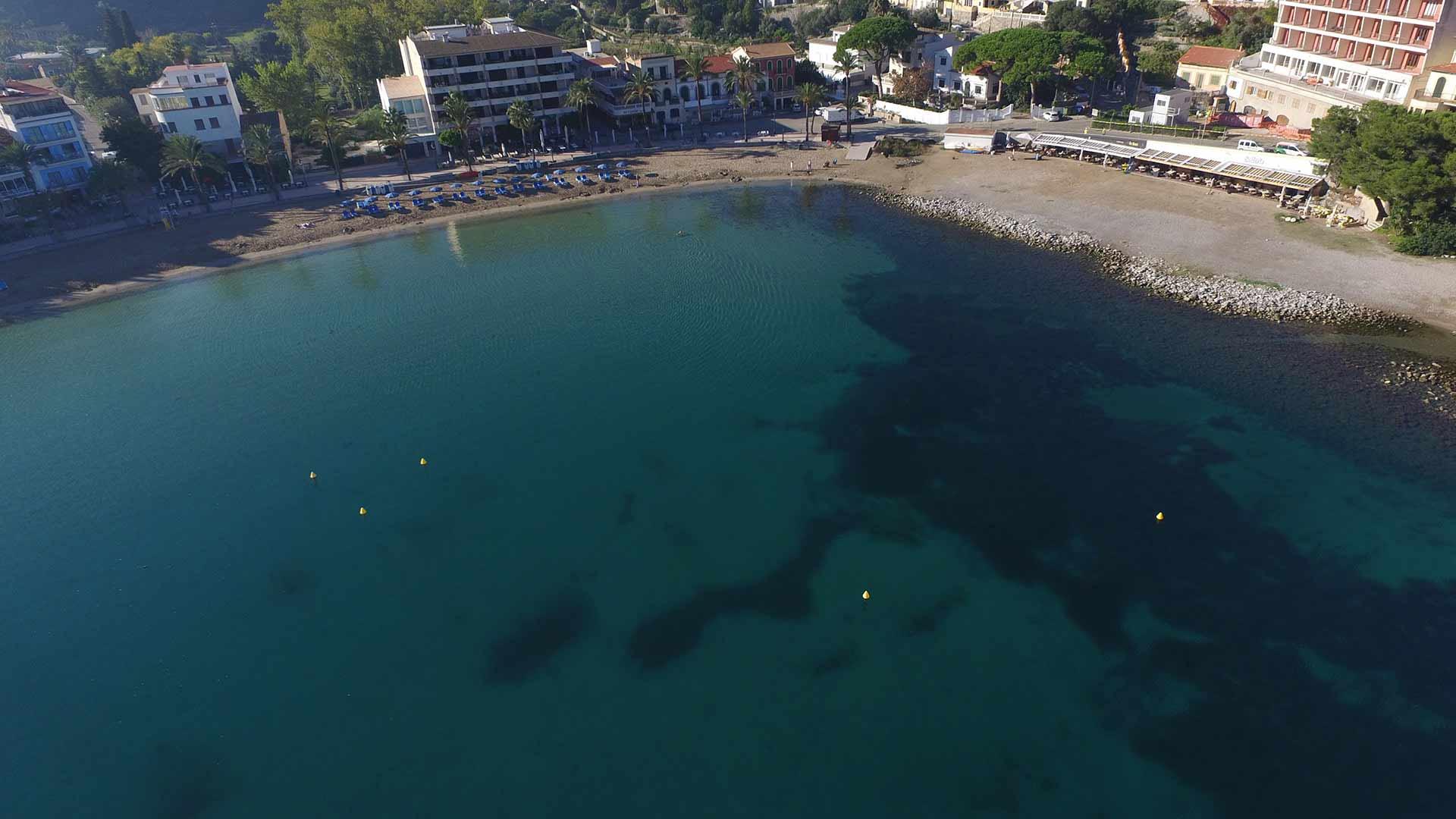 PortdeSoller PlayaRepicAETIB 1 - Paisajes de otoño en Mallorca: Viaje en tren al Valle de los Naranjos de Sóller