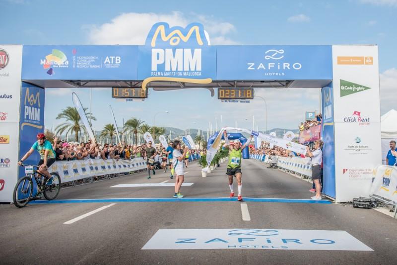 URI3113 - La capital balear se llena de corredores en una nueva edición del Palma Marathon