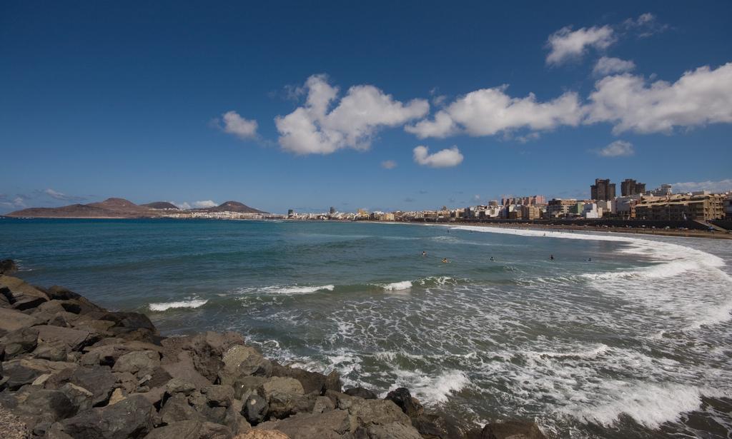 Playa de las Canteras - Cinco motivos para viajar este otoño a Las Palmas de Gran Canaria