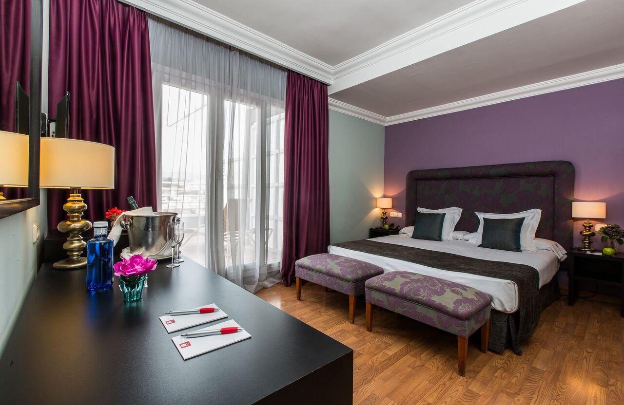 Superior Room 2 LH Granada - Disfruta de una Navidad mágica en Granada, elegida mejor ciudad para visitar en 2018