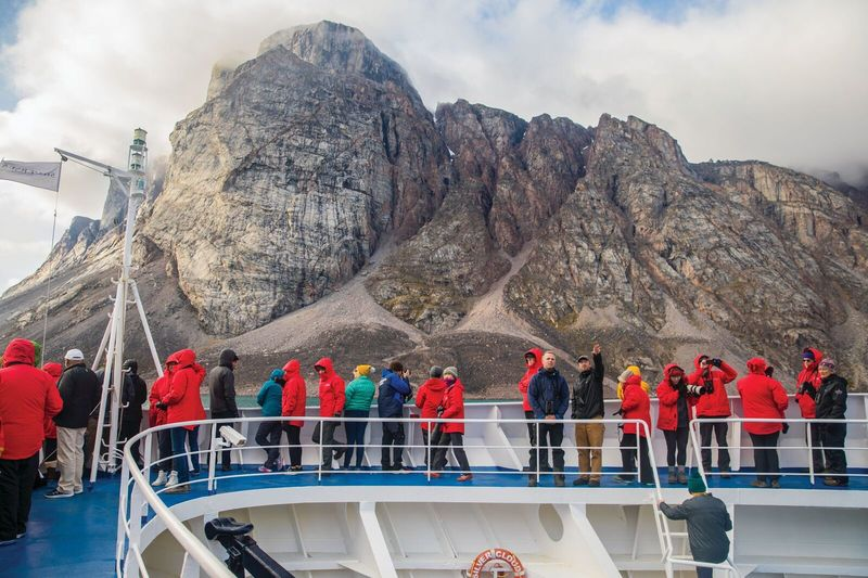 antaric - Silversea descubre la auténtica belleza de las dos regiones polares con viajes de expedición extraordinarios.