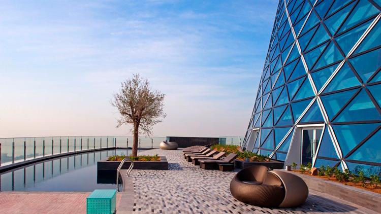 8. Hotel Hyatt Capital Gate 2 Hoteles singulares del mundo hotelscan opencomunicacion - Los hoteles más singulares del mundo