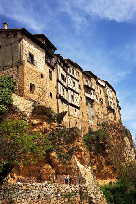Frias Burgos Castilla y León Casas Colgadas - Naturaleza y cultura en Frías, una de las ciudades 'guinda' del norte