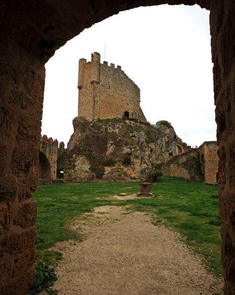 Frias Burgos Castilla y León. Castillo e1545126356763 - Naturaleza y cultura en Frías, una de las ciudades 'guinda' del norte