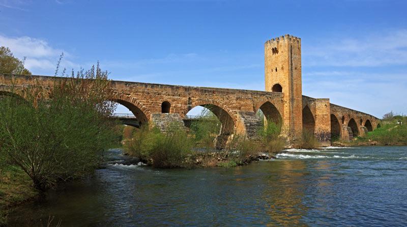 Frias Burgos Castilla y León. Puente Medieval - Naturaleza y cultura en Frías, una de las ciudades 'guinda' del norte