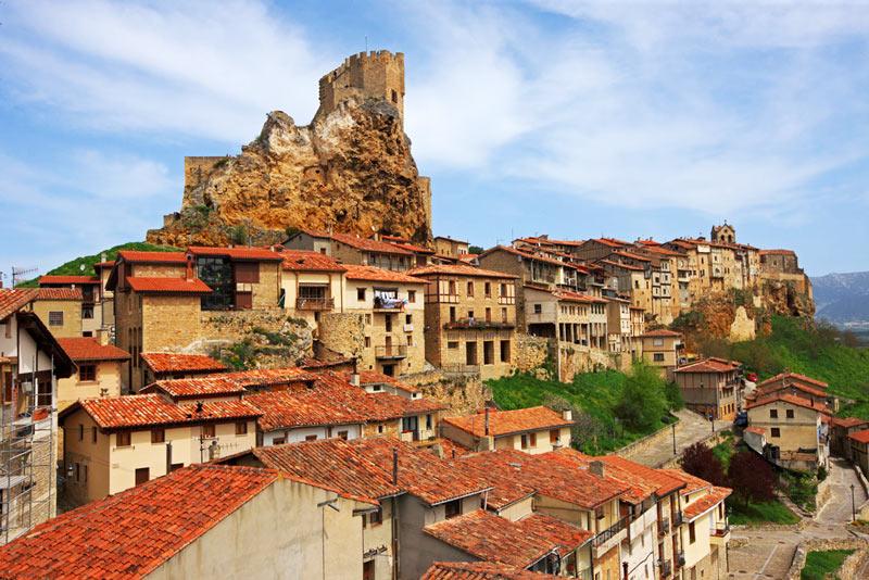 Frias Burgos Castilla y León - Naturaleza y cultura en Frías, una de las ciudades 'guinda' del norte