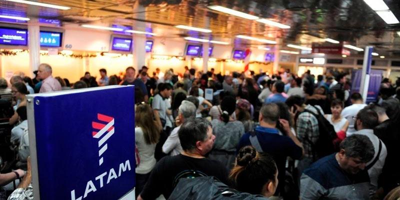 Latam aeropuerto - Los pilotos de Latam, Avianca, Andes y AR amenazan con huelga
