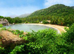 Playa Parque Tayrona Colombia © ProColombia 300x220 - Revista Más Viajes