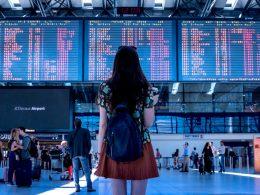 Aeropuerto terminal mujer viajera turista 260x195 - Revista Más Viajes