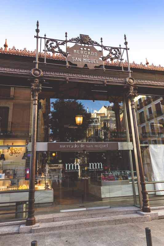 """Mercado de San Miguel Madrid exterior2 - Llegan los """"Días de Mercado"""" en el Mercado de San Miguel: actividades gratuitas para 2019"""